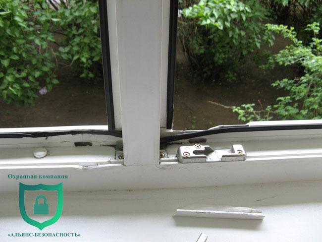 Особливо необхідний захист вікон від проникнення на перших і останньому поверсі